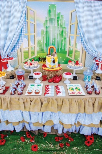 8-wizard-of-oz-dessert-table
